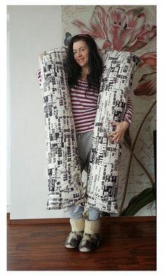 HEDERVIGA / MEGAMedzinožník ...neuveriteľne velikánsky pomocník ! Cute Pillows, Ale, Kimono Top, Tops, Women, Fashion, Moda, Women's, La Mode
