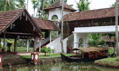 One of the most beautiful places I've stayed at. Kerala Architecture, Filipino Architecture, Tropical Architecture, Architecture Design, Cochin, Old House Design, Kerala Travel, Spa Interior, Kerala Houses