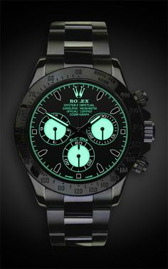TITAN BLACK Rolex Daytona: Martini Now this one knows how to glow in the dark! Men's Watches, Hublot Watches, Dream Watches, Luxury Watches, Cool Watches, Mens Wrist Watches, Mens Watches Rolex, Ladies Watches, Casual Watches