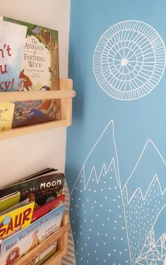 If you are a fan of wallpaper but simply don't have the budget you can create a stunning modern mural using Posca Pens   #thrifty #creativehome #thrifyhome