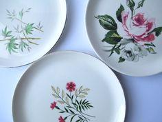 Vintage Mismatched China Dinner Plates Pink Green by jenscloset
