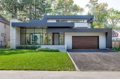 Bryan Baeumler's 'Bryan Inc' House in Burlington, Ontario Dream House Exterior, Dream House Plans, Modern House Plans, Modern House Design, Modern Bungalow Exterior, Simple Bungalow House Designs, Burlington House, Burlington Ontario, Bryan Inc