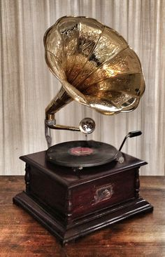 Grammophone, I want one!