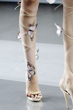 Alexander McQueen Spring 2008 Ready-to-Wear Collection Photos - Vogue