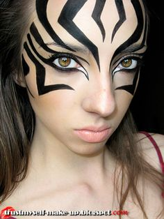 Welcome to my make-up world.: Inspired by places - Kenia Zebra Make-up, Zebra Face Paint, Halloween Make Up, Halloween Face Makeup, Costume Halloween, Lion King Costume, Animal Makeup, Fantasy Make Up, Thanksgiving Nails