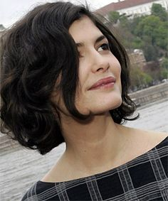 I love Audrey Tatou's Curly black chin length bob #hairstyle - my hair is too long for this style, but what a great look! tres francais!