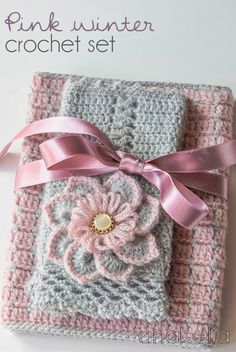 Pink crochet  por Anabelia Flower Tutorial ✿⊱╮Teresa Restegui http://www.pinterest.com/teretegui/✿⊱╮