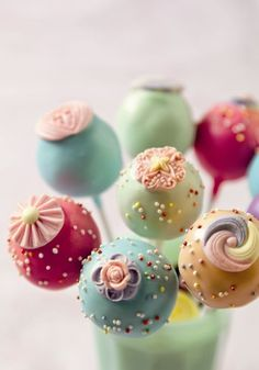 retro chic cake pops from the ... - Click image to find more Food  Drink Pinterest pins