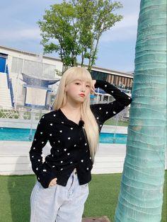 Forever Girl, Yu Jin, Japanese Girl Group, Instagram Pose, Be A Nice Human, Kim Min, Polka Dot Top, Asian Girl, Idol
