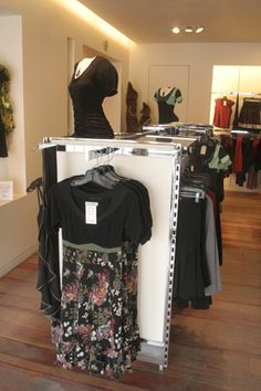 Aime com moi, for friends in Montreal, offers hot Quebecois designers (small label)