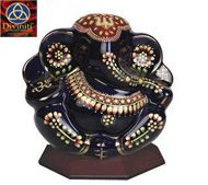 We are manufacturer and supplier of 24 carat gold plated gifts items Search instead for car frame , wall hangings. god idols and other gifts items with low prices avileble at our online store diviniti.co.in