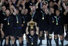 Richie McCaw lifts the World Cup