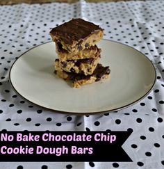 Don't turn on the oven this summer! Make this No Bake Chocolate Chip Cookie Dough Bar recipe today!