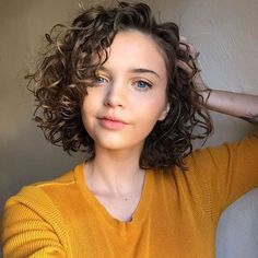 Best Curly Bob Hairstyles for Women with Chic look Hair length is very important. If you have a curly hair type, we offer you the most beautiful curly bob hairstyles recommendations. Let's take a look these Cute Short Curly Hairstyles, Curly Hair Styles, Haircuts For Curly Hair, Hairstyles Haircuts, Natural Hair Styles, Natural Curls, Curly Short, Simple Hairstyles, Haircut Short