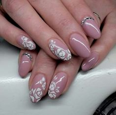 Sugar effect nails