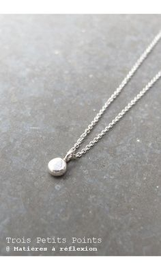 Trois Petits Points collier Pebble argent #madeinfrance #troispetitspoints #frenchdesign #collier #necklace #sterlingsilver #argent #medaille