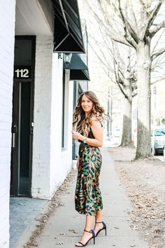 Spring Style #blogger #outfits #mycloset #whattowear Holiday Fashion, All Fashion, Skirt Fashion, Spring Fashion, Fashion Beauty, Autumn Fashion, Fashion Outfits, Womens Fashion, Casual Tops For Women