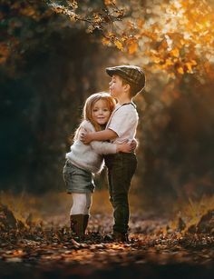 Love by Victoria_Anne - Image Of The Month Photo Contest Vol 15 Cute Baby Couple, Cute Babies, Cute Kids Photography, Family Photography, Sibling Photography Poses, Fashion Photography, Romantic Photography, Sibling Photos, Family Photos