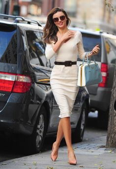 stylebygettyimages:    The lovely Miranda Kerr spotted on the streets of Manhattan New York on November 12, 2012.  Source: Gettyimages.com