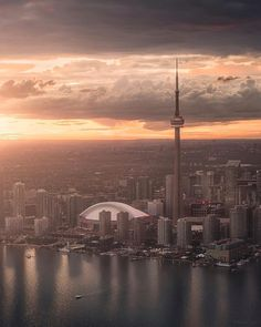 Toronto Skyline, Toronto City, Downtown Toronto, Torre Cn, Toronto Ontario Canada, City Aesthetic, Canada Travel, Belle Photo, Toronto Canada