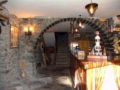 Bar/Arco de piedra