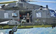 Στιγμιότυπα από την προγραμματισμένη εκπαιδευτική δραστηριότητα, στο πλαίσιο του Προγράμματος Στρατιωτικής Συνεργασίας Ελλάδας – ΗΠΑ 2014, προσωπικού και μέσων της 32 Ταξιαρχίας Πεζοναυτών «ΜΟΡΑΒΑΣ» και της 1ης Ταξιαρχίας Αεροπορίας Στρατού με την 22nd Marine Expenditionary Unit. Hellenic Army, Fighter Jets, Aviation, Aircraft, Vehicles, News, Planes In The Air, Car, Planes
