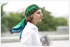 Claire demonstrating how to wear a foulard in summer.