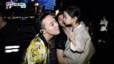 G-Dragon gets a kiss from Haru on 'Superman Is Back'? | http://www.allkpop.com/article/2014/05/g-dragon-gets-a-kiss-from-haru-on-superman-is-back