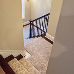 Stylish stair carpet ideas and inspiration. So you can choose the best carpet for stairs.Quality rug for stairs, stairway carpets type, etc. Wood Stairs, House Stairs, Basement Stairs, Basement Carpet, Bedroom Carpet, Living Room Carpet, Wall Carpet, Carpet Decor, Houses