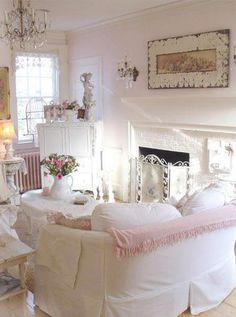 pink cottage style...I only wish I to be single when I see pink rooms:)
