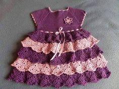 Vestidinhos de crochê (VI)