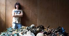 Around eight million metric tons of plastic waste enter the oceans from land each year. Boyan Slat wants to clean it up. Ocean Garbage Patch, Great Pacific Garbage Patch, Boyan Slat, Plastic In The Sea, Ocean Cleanup, Clean Ocean, Plastic Pollution, Ocean Pollution, Environmental Issues