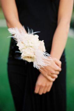 Praise Wedding » Wedding Inspiration and Planning » Creative Wrist Corsage