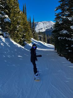 Snowboarding Style, Snowboard Girl, Ski Season, Snowy Day, Winter Pictures, Wanderlust, Oui Oui, Winter Travel, Places To See