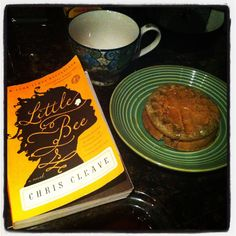 Reading while eating #dailybookpic