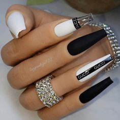 Acrylic Nails Coffin Short, Best Acrylic Nails, Stylish Nails, Trendy Nails, Gucci Nails, Gothic Nails, Glow Nails, Stick On Nails, Broken Nails