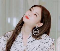 Kim Jennie, Mon Cheri, South Korean Girls, Korean Girl Groups, Rapper, Blackpink Video, Blackpink And Bts, Blackpink Photos, Meme Faces