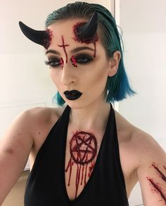 Looking for for ideas for your Halloween make-up? Browse around this website for creepy Halloween makeup looks. Halloween Outfits, Halloween Inspo, Halloween Looks, Halloween Cosplay, Halloween 2018, Happy Halloween, Scary Halloween Costumes, Halloween Celebration, Demon Halloween Makeup