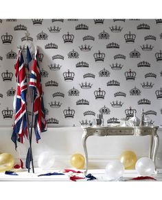Wallpaper fit for Royal Nursery