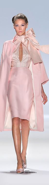 Zang Toi Fall/Winter 2013 | ❤ Pink & White ❤ | Pinterest)