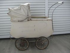 Vintage stroller for baby shower pictures. Baby Shower Pictures, Shower Pics, Pram Stroller, Baby Strollers, Vintage Stroller, Prams, Children, Baby Prams, Young Children