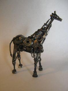 Giraffe made from scrap metal. AlkolaiArts