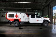 Nissan USA partners with the Red Cross to create the Ultimate Service Titan. Ambulance, Van Racking Systems, Mobile Command Center, Custom Truck Beds, Rescue Vehicles, Nissan Titan, Emergency Management, Weird Cars, Emergency Response