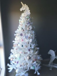 Beautiful Unicorn theme tree by Aussie mum Stacey Calder. Little Christmas, Christmas And New Year, White Christmas, Christmas Time, Christmas Crafts, Christmas Ornaments, Unicorn Mom, Unicorn Birthday, Unicorn Party