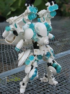 Q - Prototype Mochi-frame Lego mecha