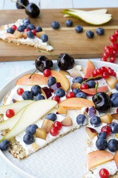 Sweet breakfast pizza made from oatmeal and bananas - a palate friend - SÜSSES & DESSERTS Breakfast Bars Healthy, Detox Breakfast, Breakfast Pizza, Sweet Breakfast, Brunch Recipes, Gourmet Recipes, Breakfast Recipes, Snack Recipes, Pizza Recipes
