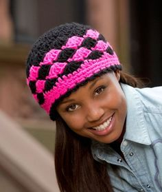 Shells are Swell Beanie, free crochet pattern by Katherine Eng via Red Heart ༺✿ƬⱤღ✿༻ Crochet Adult Hat, Crochet Cap, All Free Crochet, Crochet Beanie, Love Crochet, Crochet Scarves, Crochet Clothes, Knitted Hats, Quick Crochet