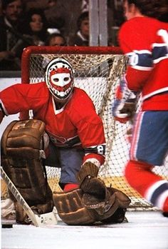 Ken Dryden - Canadiens Hockey Memes, Women's Hockey, Hockey Stuff, Montreal Canadiens, Field Goal Kicker, Ken Dryden, Goalie Mask, Good Old Times, Toronto Maple Leafs