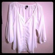 White top Beautiful white top Tops Blouses