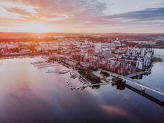 Completed in 1989, the Kuokkala bridge is an essential part of the City of Jyväskylä, and it is in fact one of the best-known Jyväskylä landmarks. The bridge connecting the Lutakko district in the city centre and the Kuokkala district is located very prominently in the urban landscape of Jyväskylä. Photo: Julia Kivelä